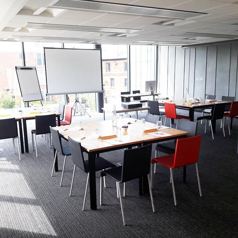 Light And Spacious Meeting Room